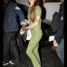 Lana del Rey porte un ensemble vert olive
