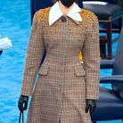 Ella Emhoff habillée en Miu Miu