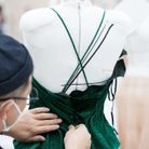 Le dos de la robe Dior d'Anya Taylor-Joy