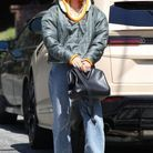 Un look très casual pour Hailey Bieber