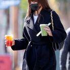 Camila Morrone et son sac Coussin Louis Vuitton
