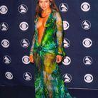 Jennifer Lopez en robe Versace décolletée en 2000