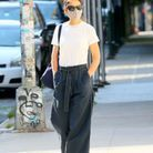 Katie Holmes en baggy et t-shirt blanc