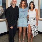 Kim Kardashian et sa jupe imprimé journal