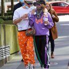 Clara Berry et KJ Apa en violet et orange