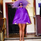 Lady Gaga en robe cape Valentino