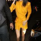 La mini-robe jaune poussin de Kendall Jenner