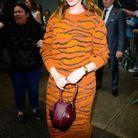 Anne Hathaway et son sac Nina signé Gabriela Hearst