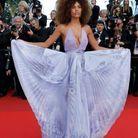 Tina Kunakey et sa robe plissée
