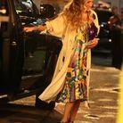 Sarah Jessica Parker sort d'un van en tenue ultra lookée