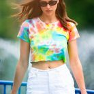 Irina Shayk et son cropped top tie and dye
