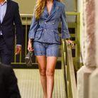 Gigi Hadid en total look jean à la conférence Forces of Fashion