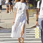 Comme Olivia Palermo, on porte son t-shirt blanc avec une jupe fluide