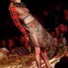 Défilé Alexander McQueen automne-hiver 1995-1996