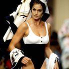 Cindy Crawford en maillot de bain Chanel en 1994