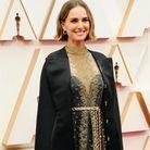 Une cape brodée des noms des réalisatrices oubliées des Oscars