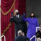 Kamala Harris et son mari saluent la foule