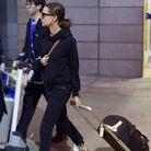 Alicia Vikander et son bagage Louis Vuitton