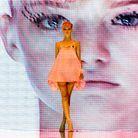 Le top Gemma Ward défile dans le cadre de la Fashion Week australienne en 2003