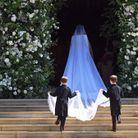 Meghan Markle entre dans la chapelle Saint George