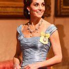 Kate Middleton portant la tiare Cambridge Lover's Knot Tiara, la préférée de Lady Diana