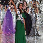 Robe de cocktail asymétrique verte pour Malika Ménard, Miss France 2010