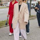 Un blazer XXL porté avec un pantalon large