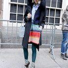 Avec ses faux airs de Lady Gaga, cette jeune fashionista est super lookée. On salue le subtil mariage de couleurs…
