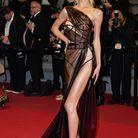 Meredith Mickelson en robe transparente