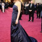 Une robe bleu roi à traine