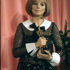 Barbra Streisand et son premier Oscar