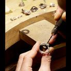 Mode luxe joaillerie creartion bague Etape 5 La mise en pierre 2