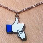 Un collier Facebook
