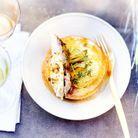 Menu de fête chic : Poularde rôtie farcie sous la peau et gratin potimarron-pomme de terre