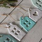 Bricolage de Noël des décorations pour le salon en terre cuite