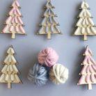 Bricolage de Noël des mini sapins en laines