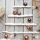 Décoration de Noël pour le jardin : un faux sapin outdoor