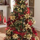 Sapin de Noel avec fleurs dorées