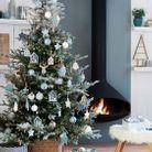 Sapin de Noel bleu et blanc