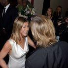 Jennifer Aniston, très émue de retrouver Brad Pitt en coulisses des SAG Awards
