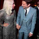 Bradley Cooper et Lady Gaga main dans la main