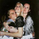 Cara Delevingne fait le clown, même avec ses sœurs !
