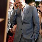 George Clooney au téléphone
