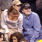 Leonardo DiCaprio et Gisele Bündchen dans les tribunes d'un match des Lakers en 2002