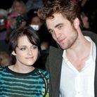 """Kristen Stewart et Robert Pattinson se rencontrent sur le tournage de """"Twilight"""""""