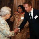 Parce qu'il rougit devant la reine d'Angleterre !