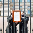 Un communiqué a été affiché sur les grilles du palais de Buckingham