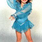 Dès son plus jeune âge, elle participe à des concours de beauté