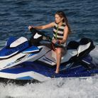 Gigi Hadid lors d'une virée en jet-ski