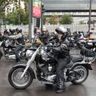 Les fans du chanteur sont venus en moto pour lui rendre hommage